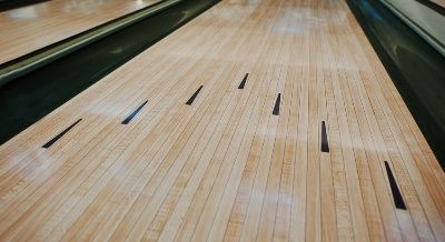 how far are the arrows from the foul line in bowling
