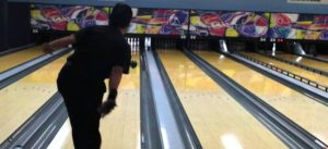 how to bowl on a long oil pattern